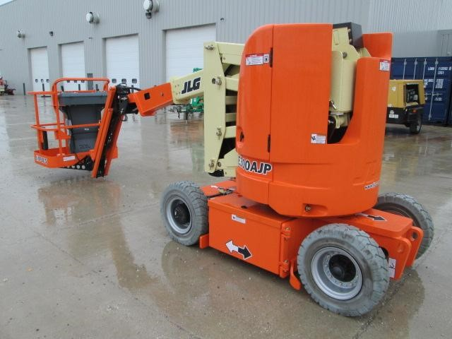 Detail photo of 2013 JLG E300AJP from Construction Equipment Guide