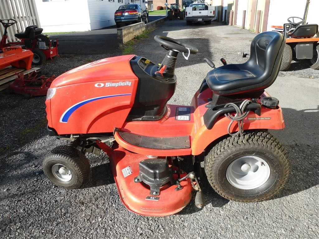 wisconsin ag connection simplicity broadmoor riding lawn mowers for sale. Black Bedroom Furniture Sets. Home Design Ideas