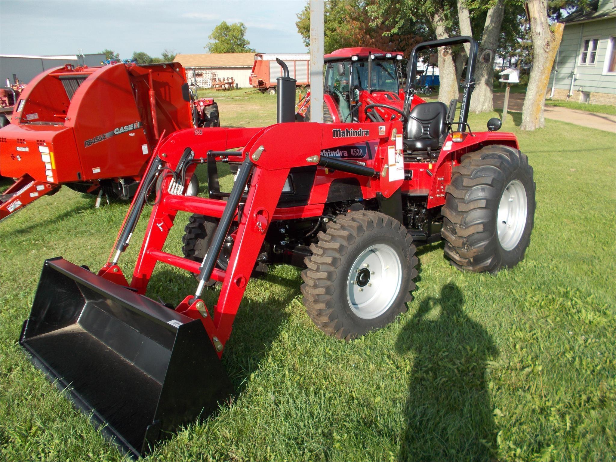 MAHINDRA 4530 40-99 HP Tractor