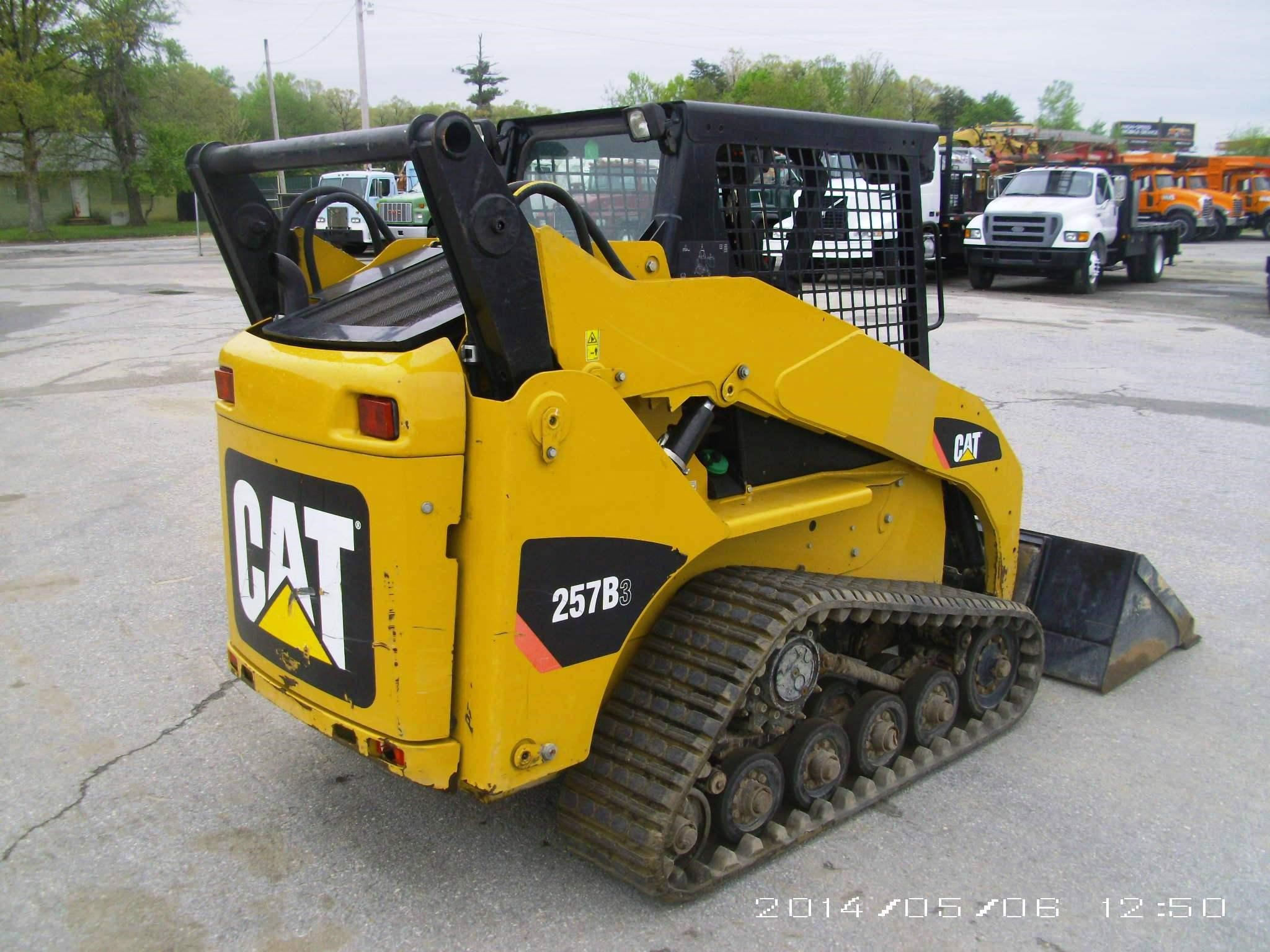 Detail photo of 2011 Caterpillar 257B III from Construction Equipment Guide
