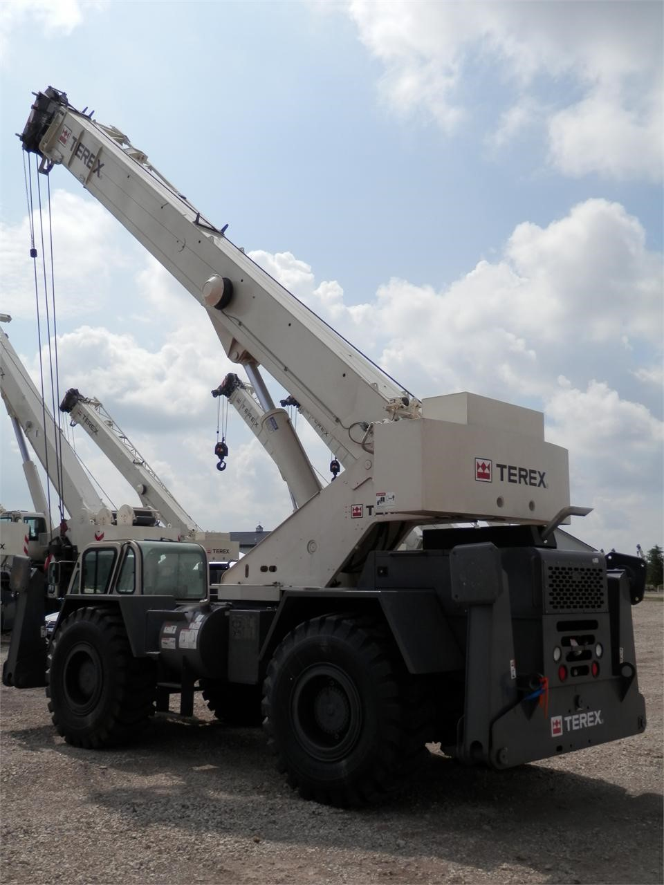 Detail photo of 2013 Terex CD 225 from Construction Equipment Guide