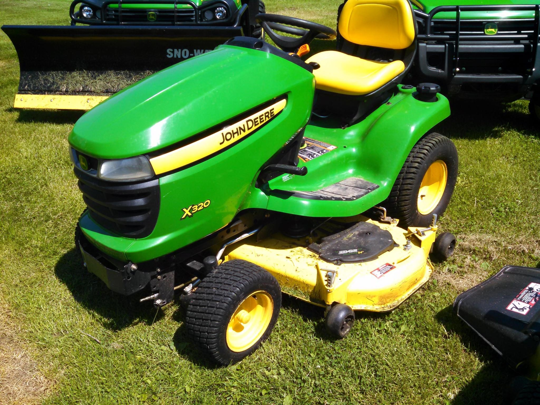 wisconsin ag connection john deere x320 riding lawn mowers for sale. Black Bedroom Furniture Sets. Home Design Ideas