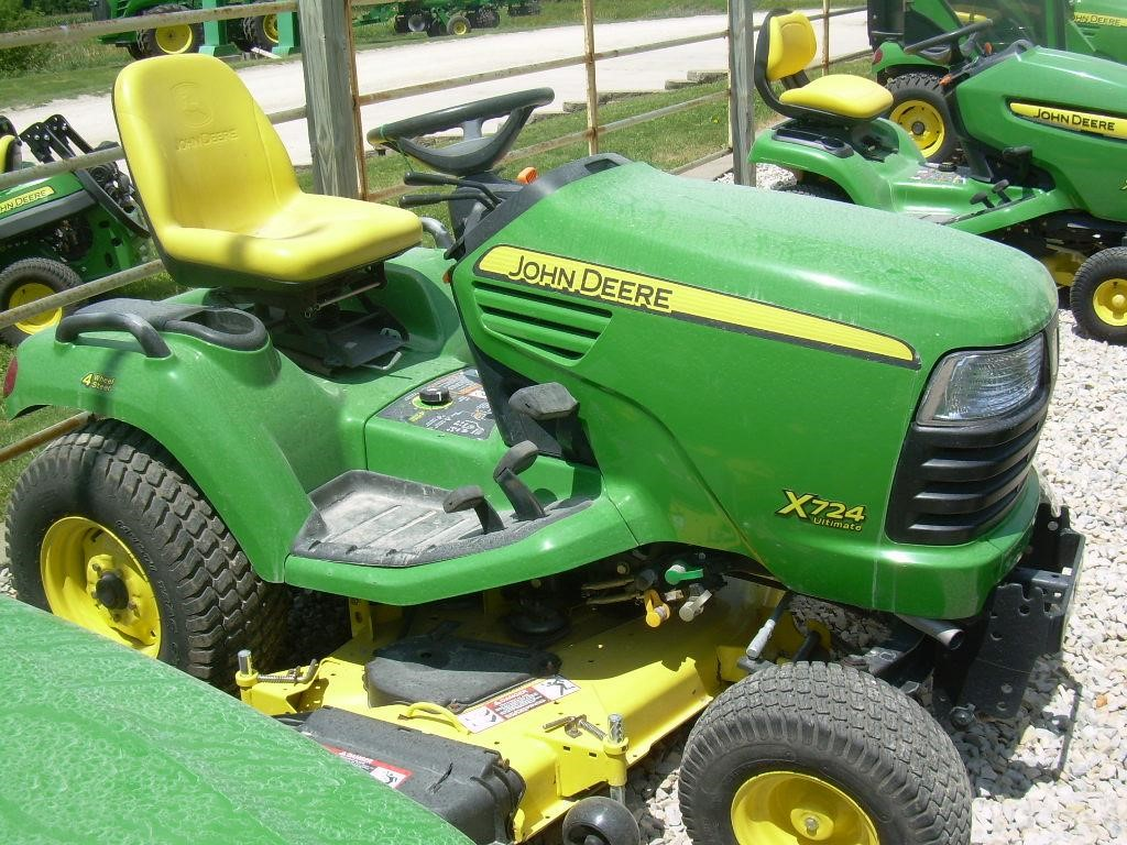 wisconsin ag connection john deere x724 riding lawn mowers for sale. Black Bedroom Furniture Sets. Home Design Ideas