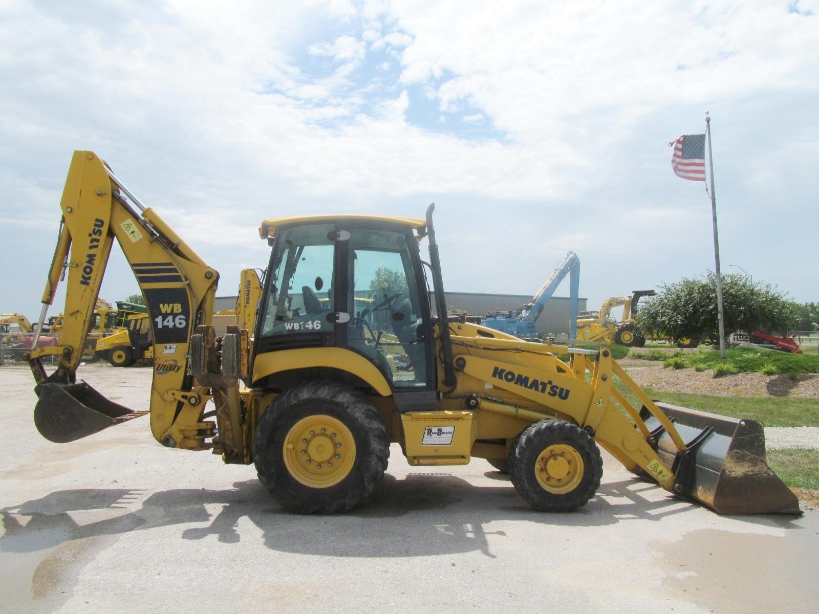 Detail photo of 2008 Komatsu WB146-5 from Construction Equipment Guide