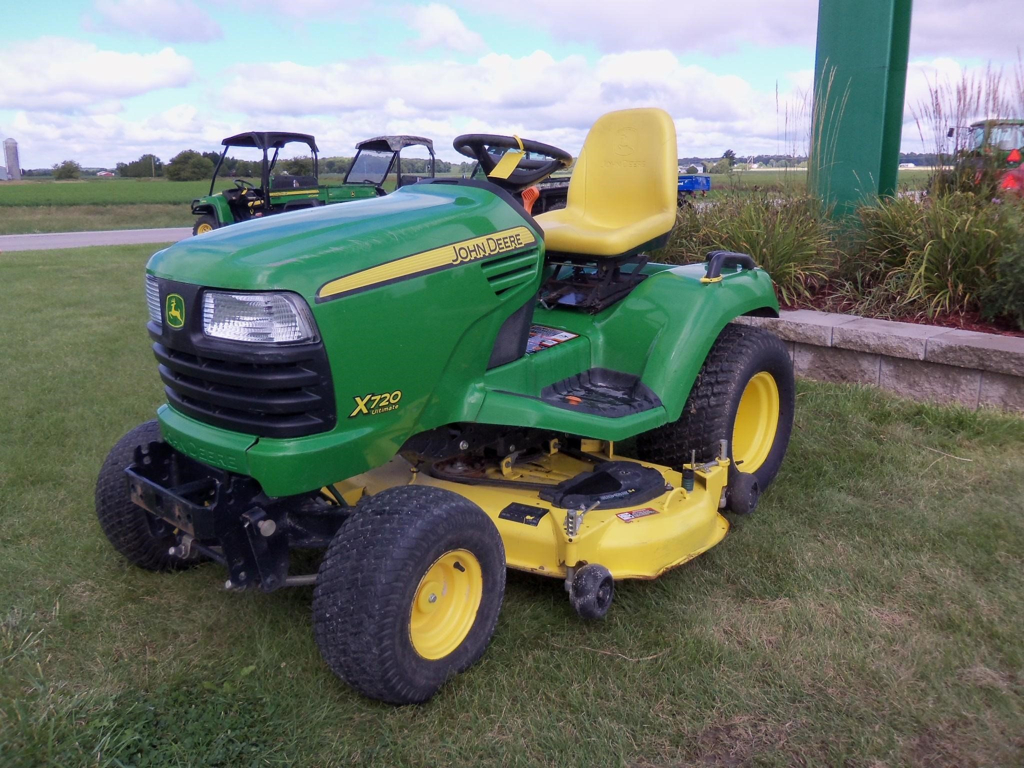 wisconsin ag connection john deere x720 riding lawn mowers for sale. Black Bedroom Furniture Sets. Home Design Ideas
