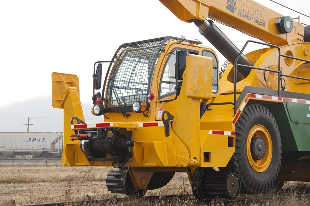 Detail photo of 2017 Badger CD4430R from Construction Equipment Guide