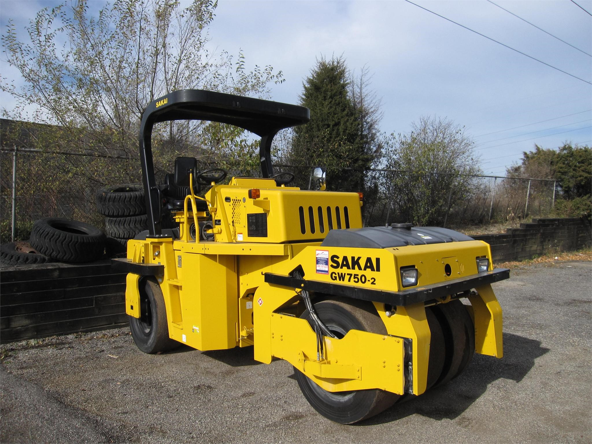 Detail photo of 2014 Sakai GW750-2 from Construction Equipment Guide