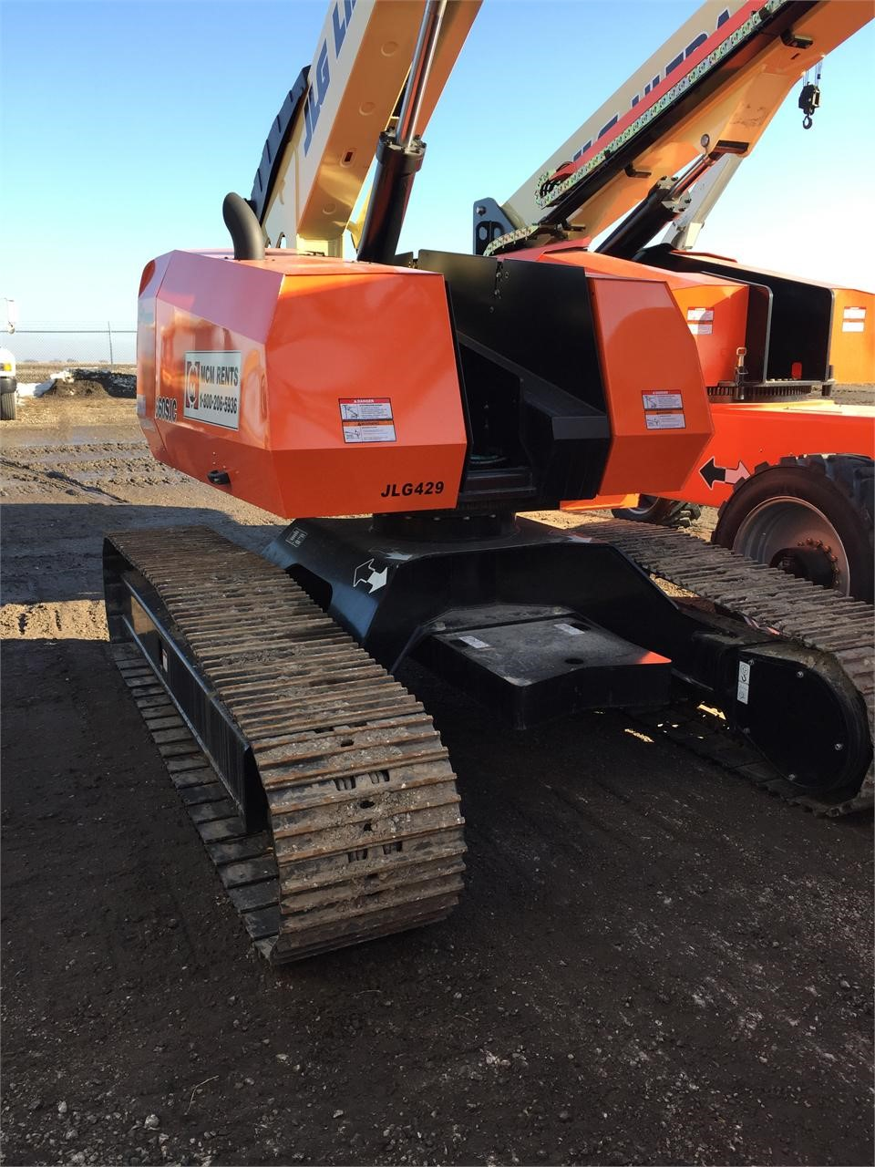 Detail photo of 2014 JLG 660SJC from Construction Equipment Guide
