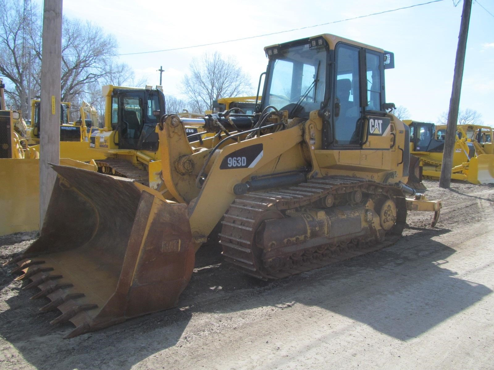 Detail photo of 2007 Caterpillar 963D from Construction Equipment Guide