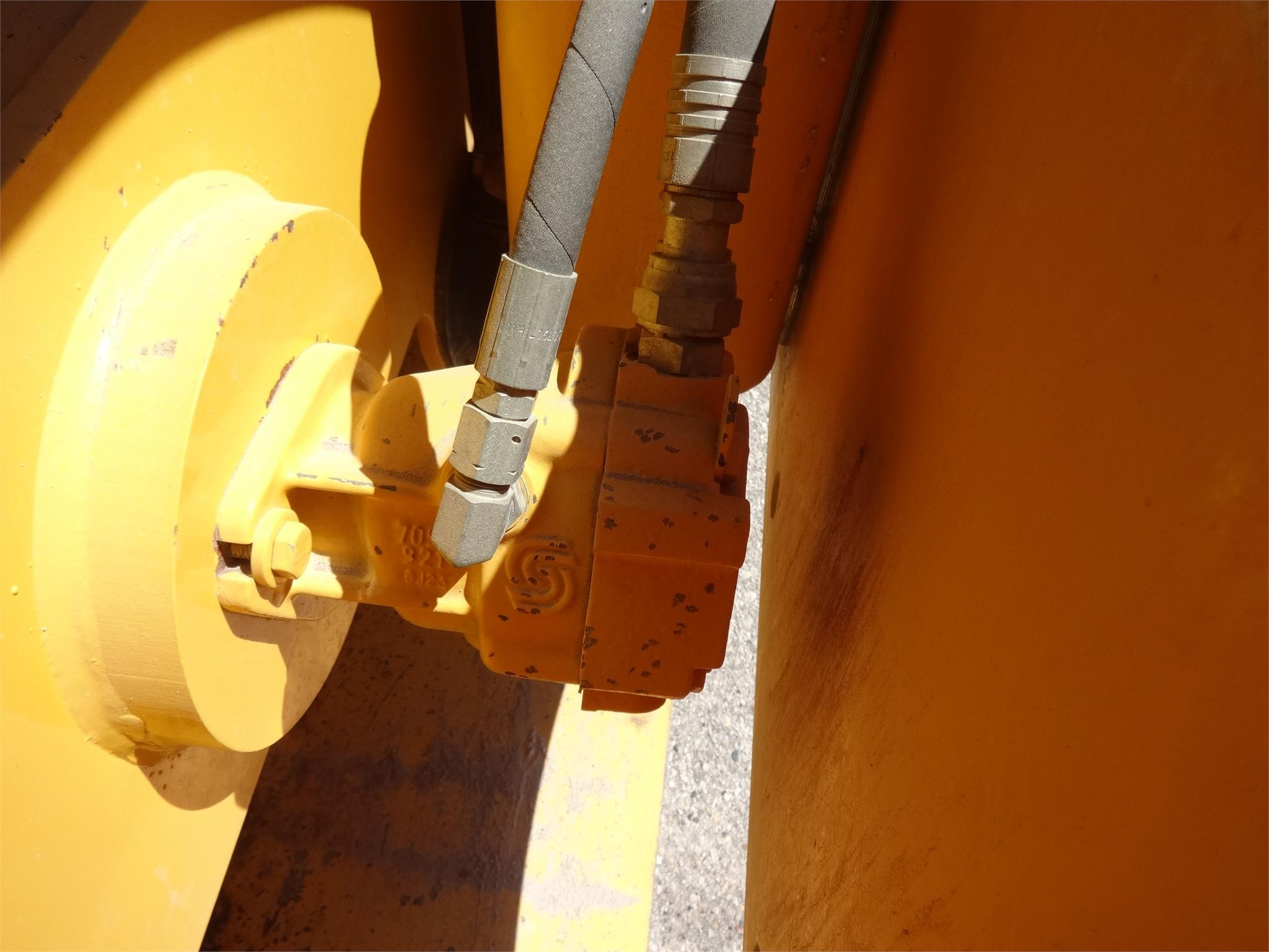 Detail photo of 2009 Volvo SD70DTF from Construction Equipment Guide