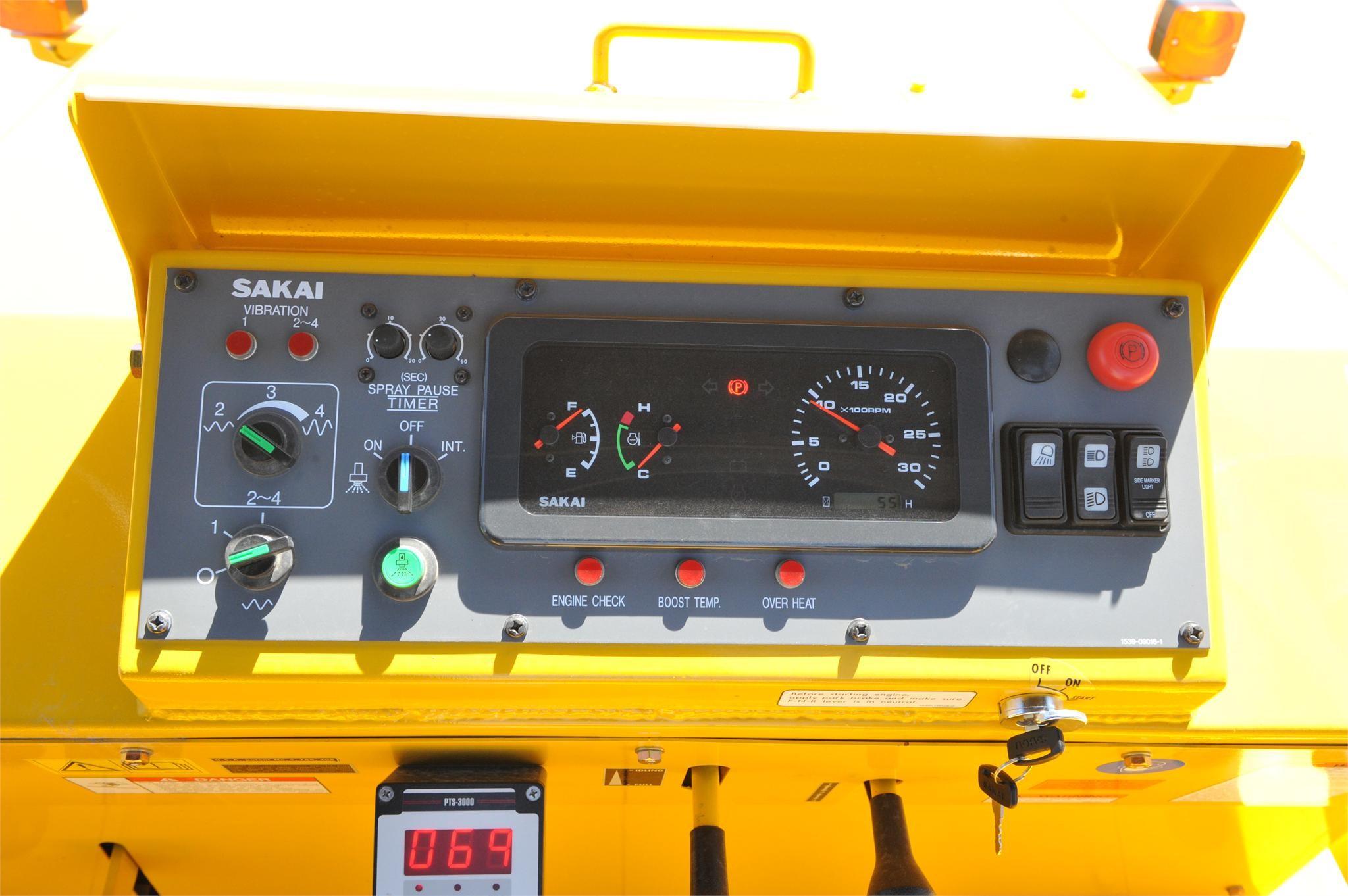 Detail photo of 2015 Sakai GW750-2 from Construction Equipment Guide