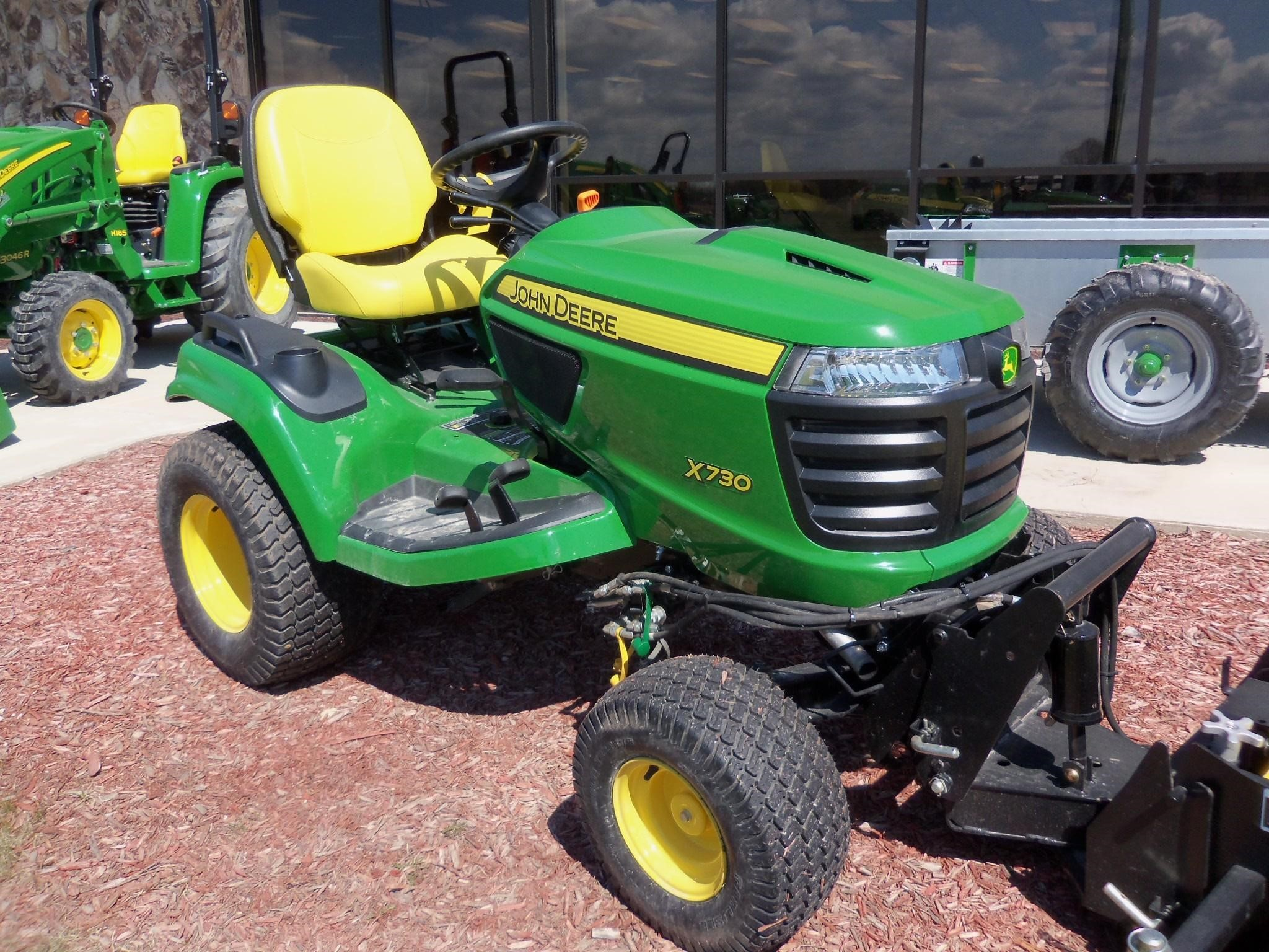 wisconsin ag connection john deere x730 riding lawn mowers for sale. Black Bedroom Furniture Sets. Home Design Ideas