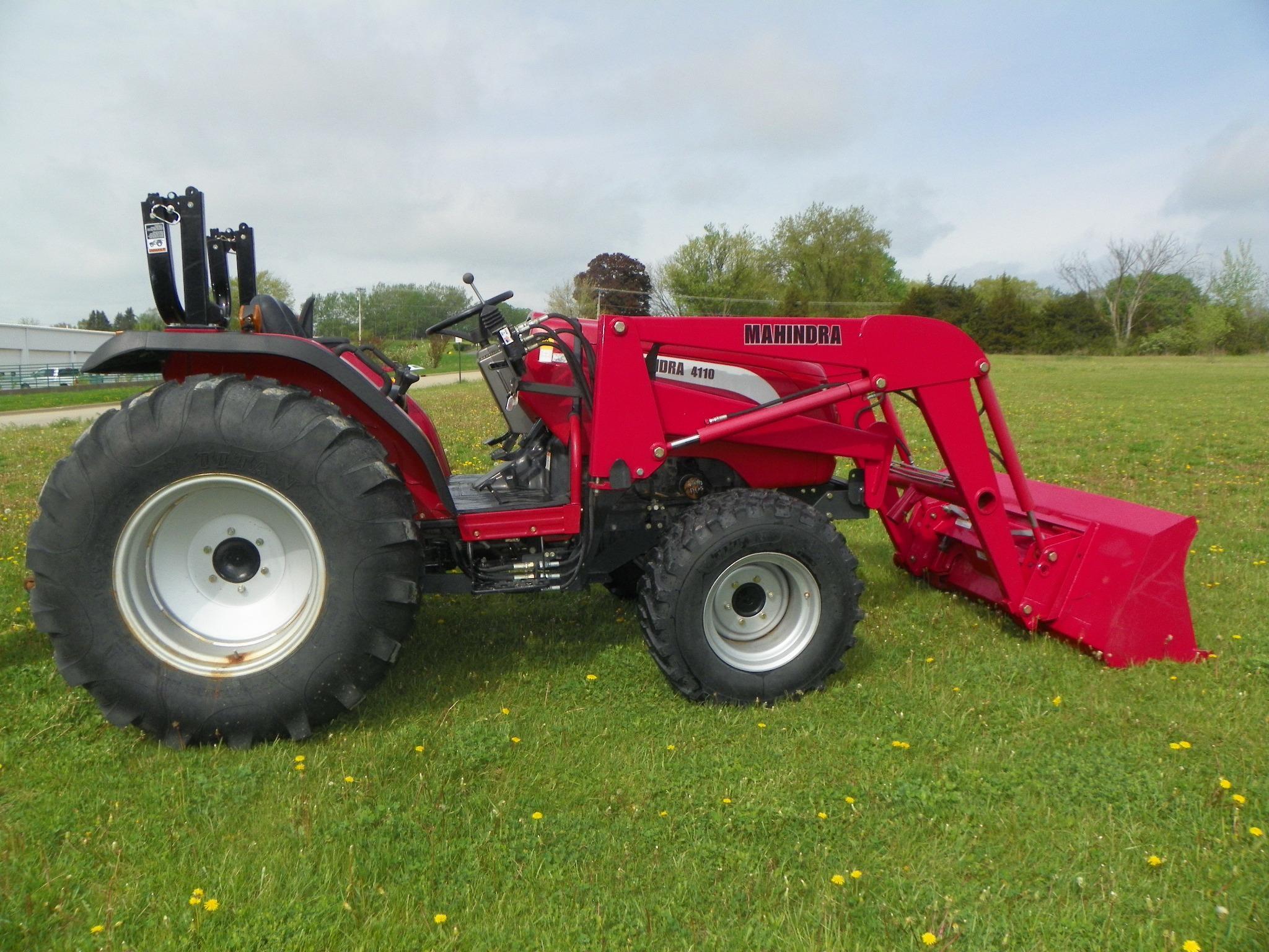 2009 MAHINDRA 4110 40-99 HP Tractor