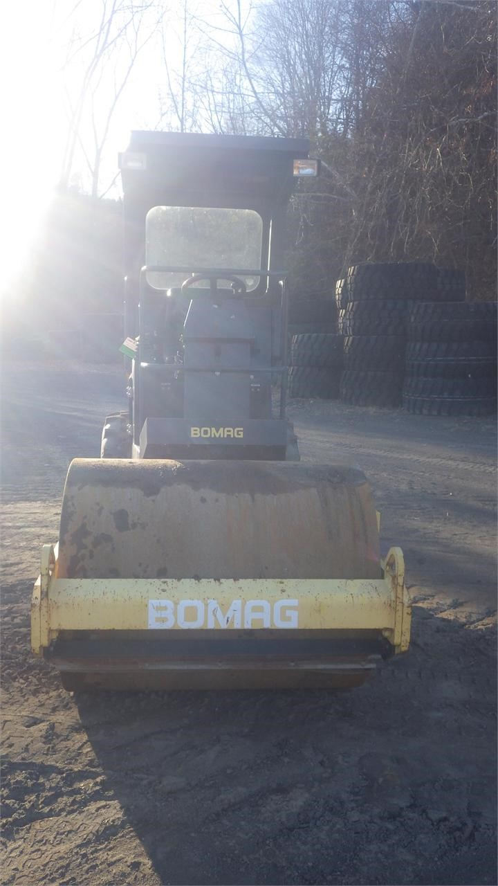 Detail photo of 2006 Bomag BW 124 DH-3 from Construction Equipment Guide
