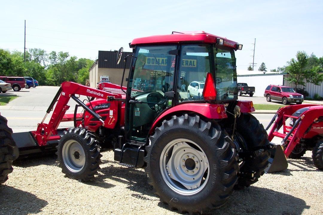 2015 MAHINDRA 2565 40-99 HP Tractor