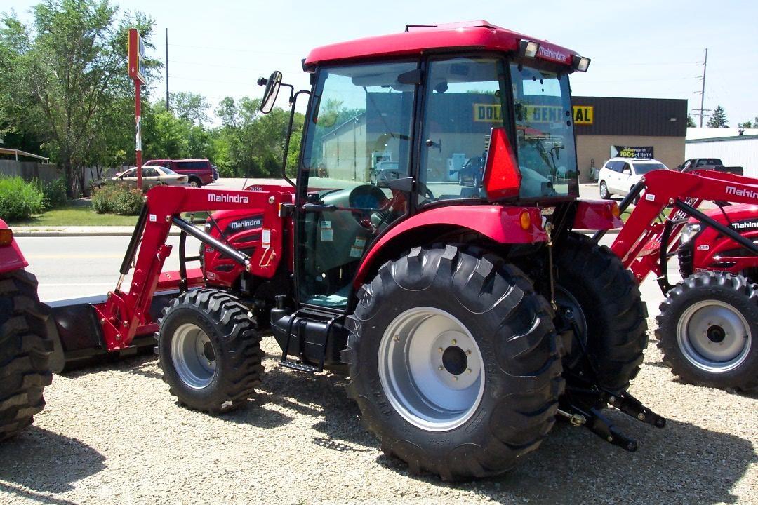 2015 MAHINDRA 2555 40-99 HP Tractor