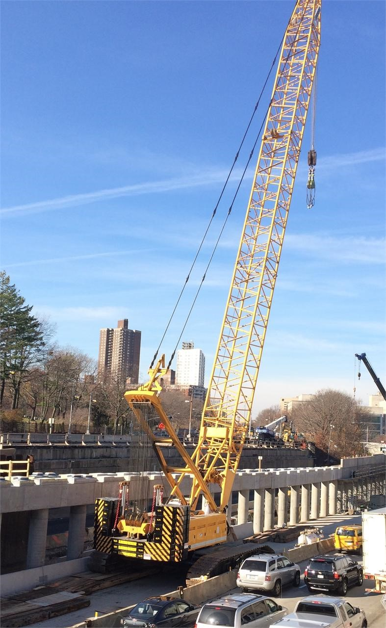 Detail photo of 1999 Liebherr LR 1250 from Construction Equipment Guide