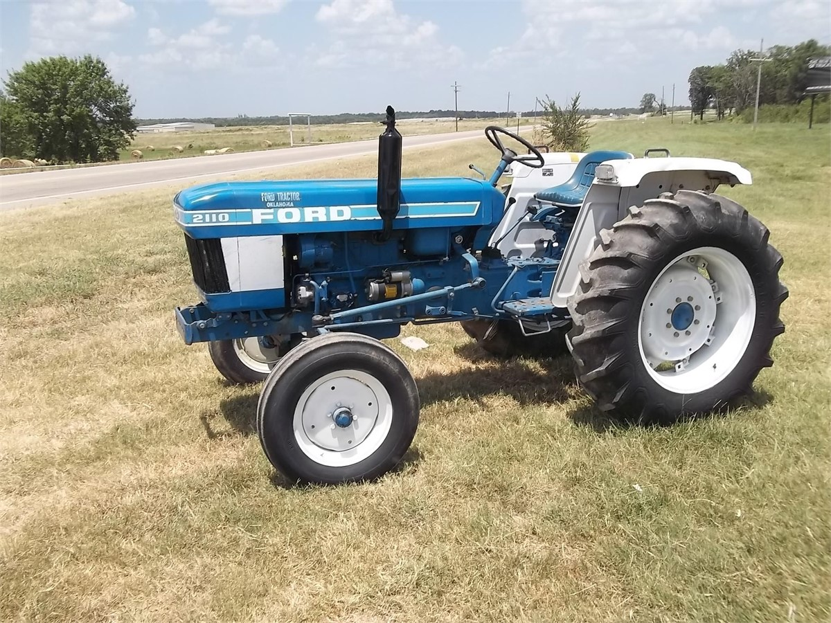 Ford 2110 Tractor : Ford tractors less than hp for auction at