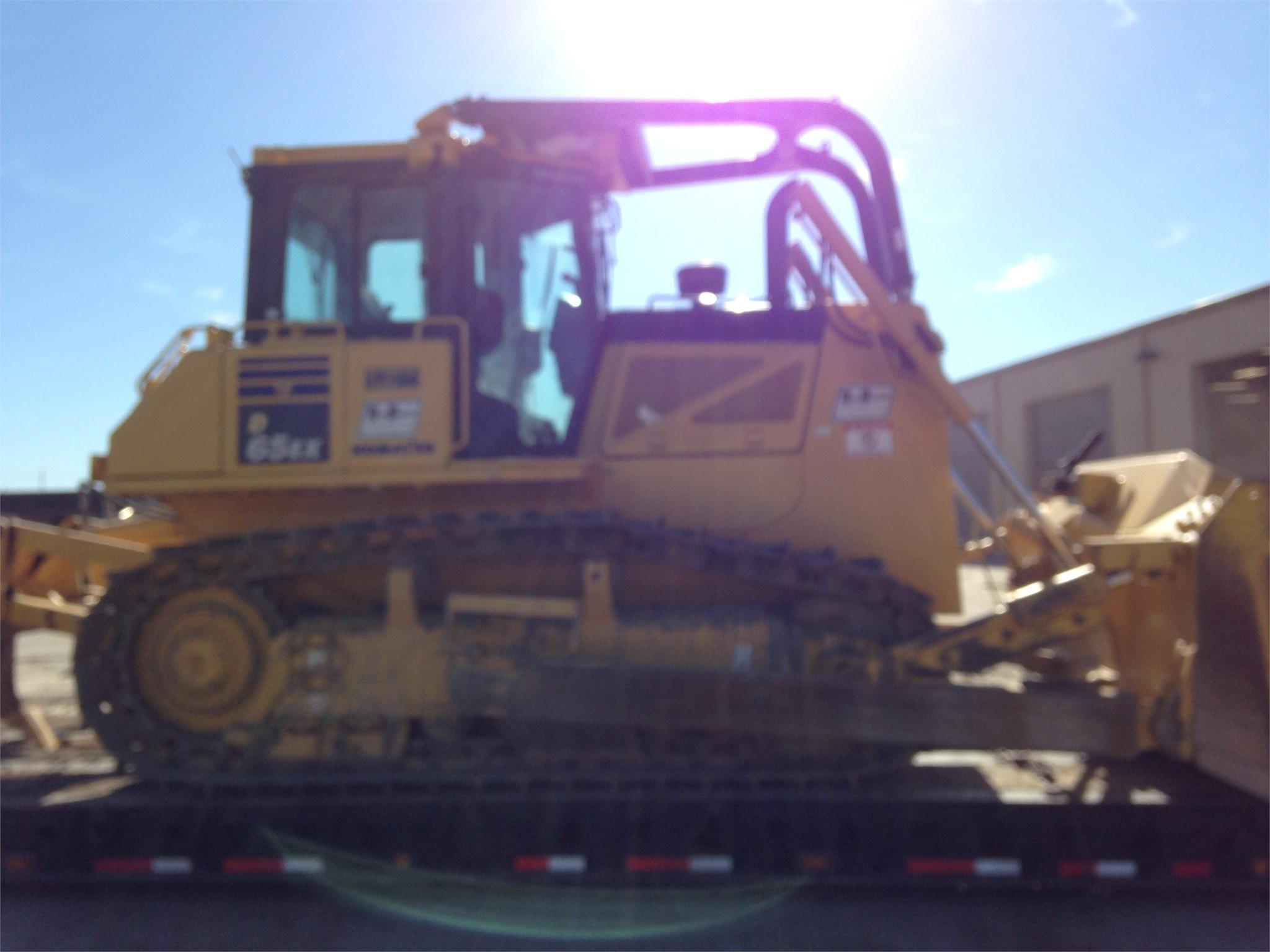 Detail photo of 2013 Komatsu D65EX-17 from Construction Equipment Guide