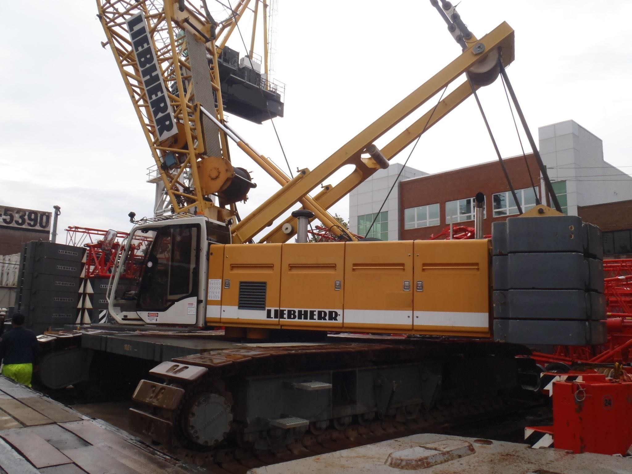 Detail photo of 2006 Liebherr LR1130 from Construction Equipment Guide