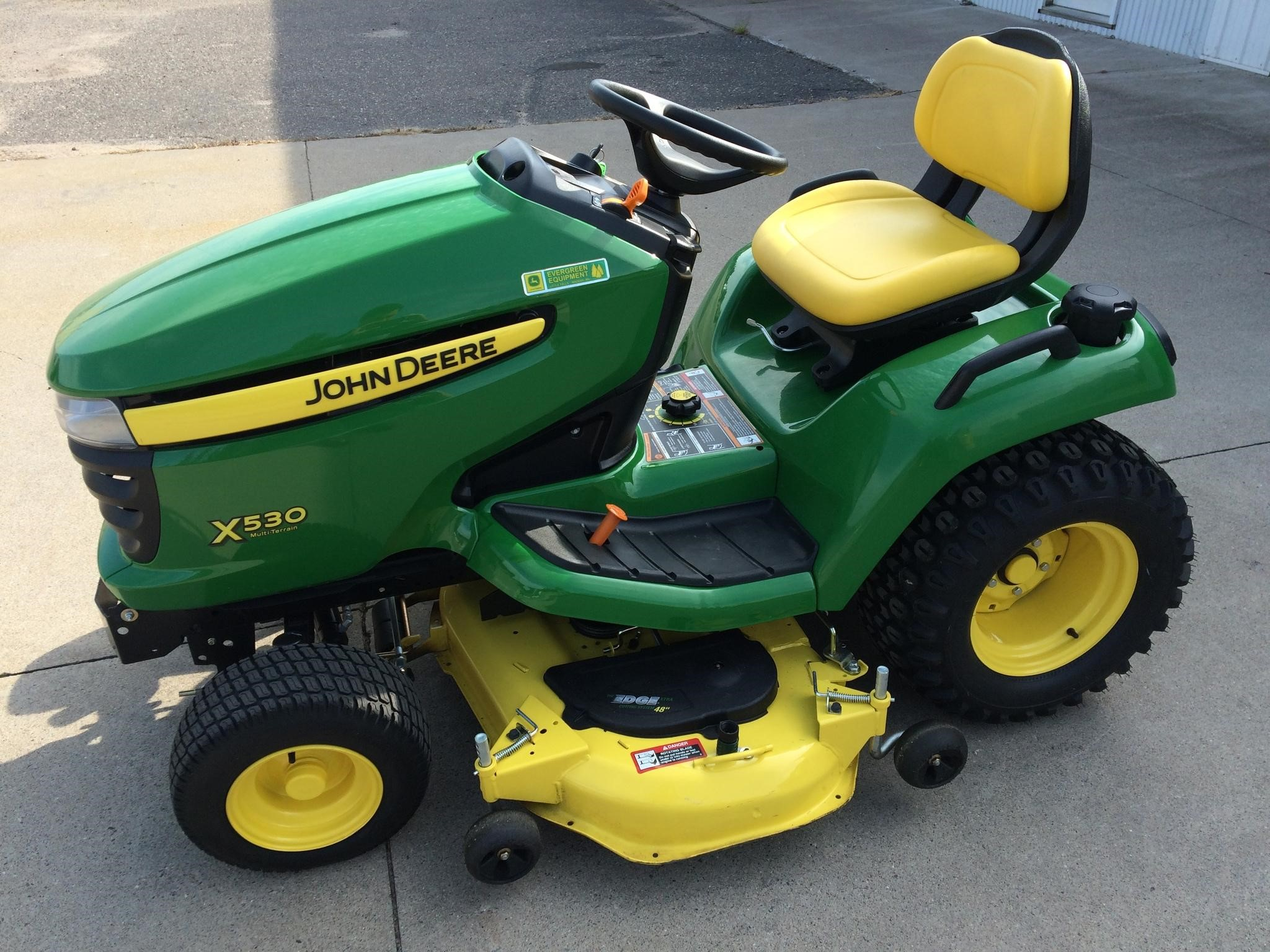 John Deere X530 Lawn Tractor : John deere riding lawn mower