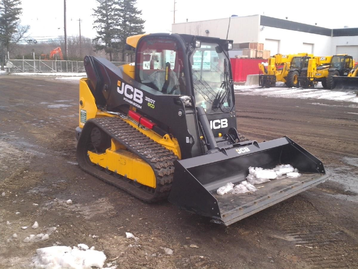 Detail photo of 2014 JCB 320T from Construction Equipment Guide