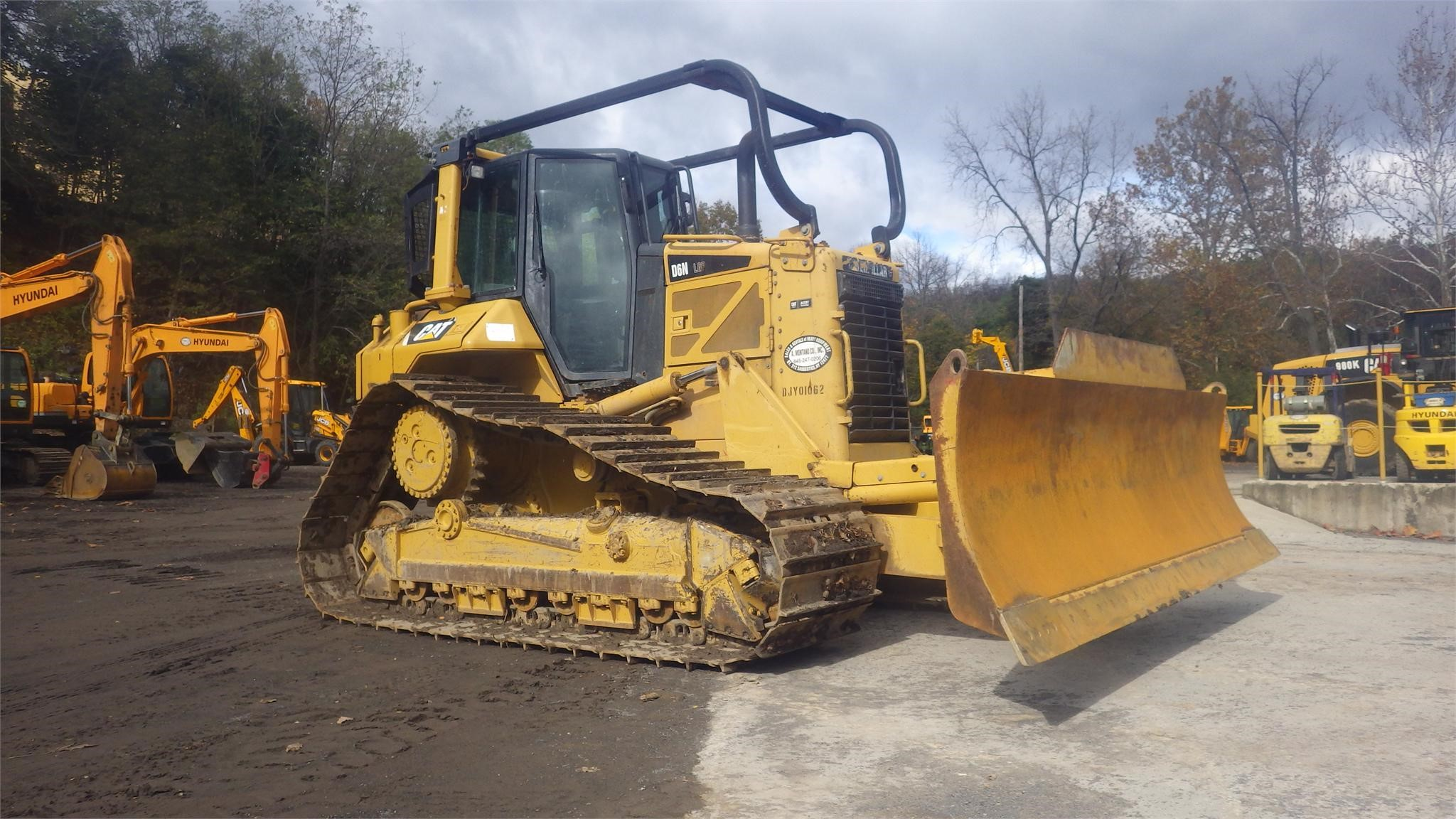Detail photo of 2008 Caterpillar D6N LGP from Construction Equipment Guide