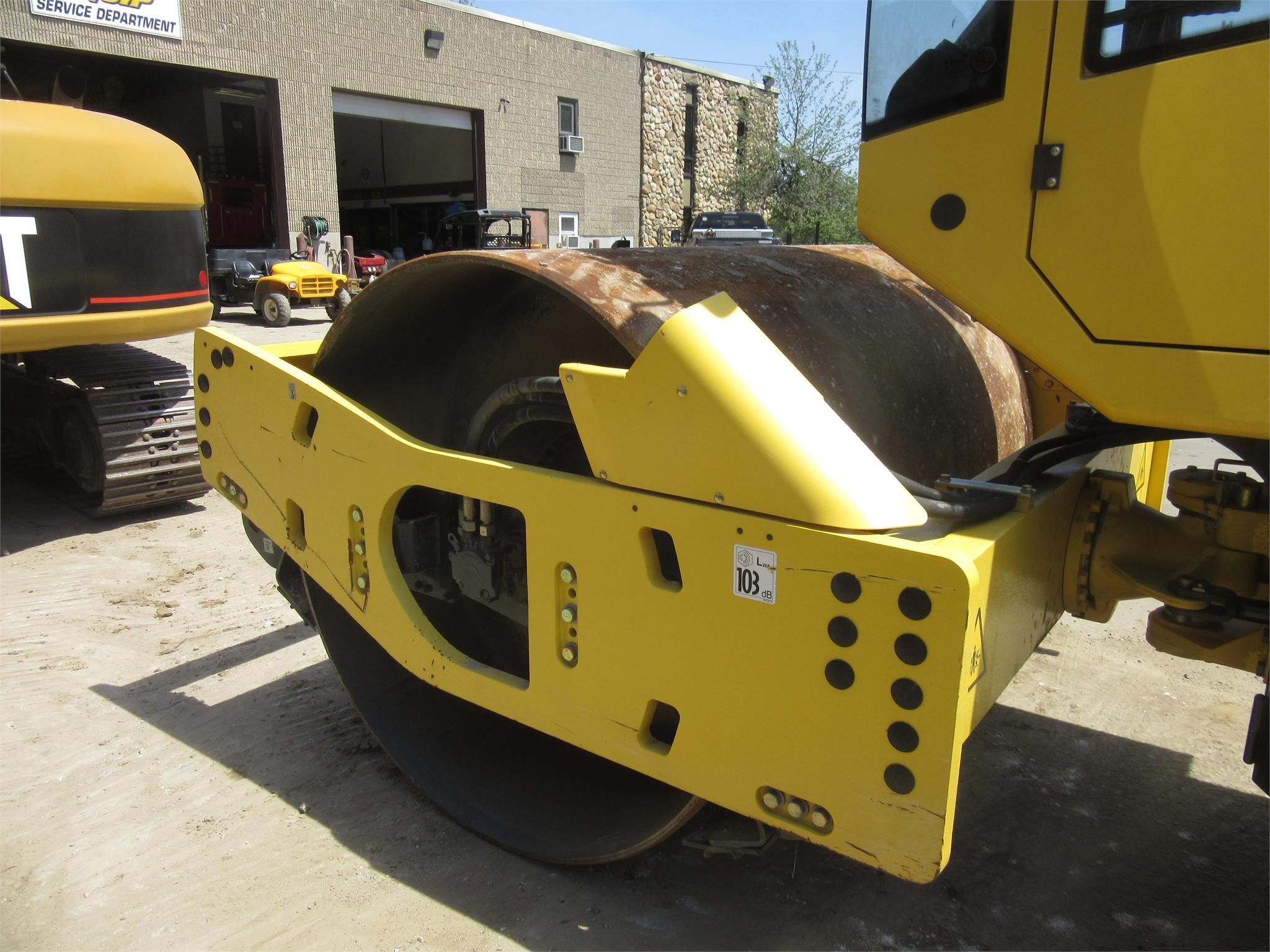 Detail photo of 2012 Bomag BW 211 D from Construction Equipment Guide