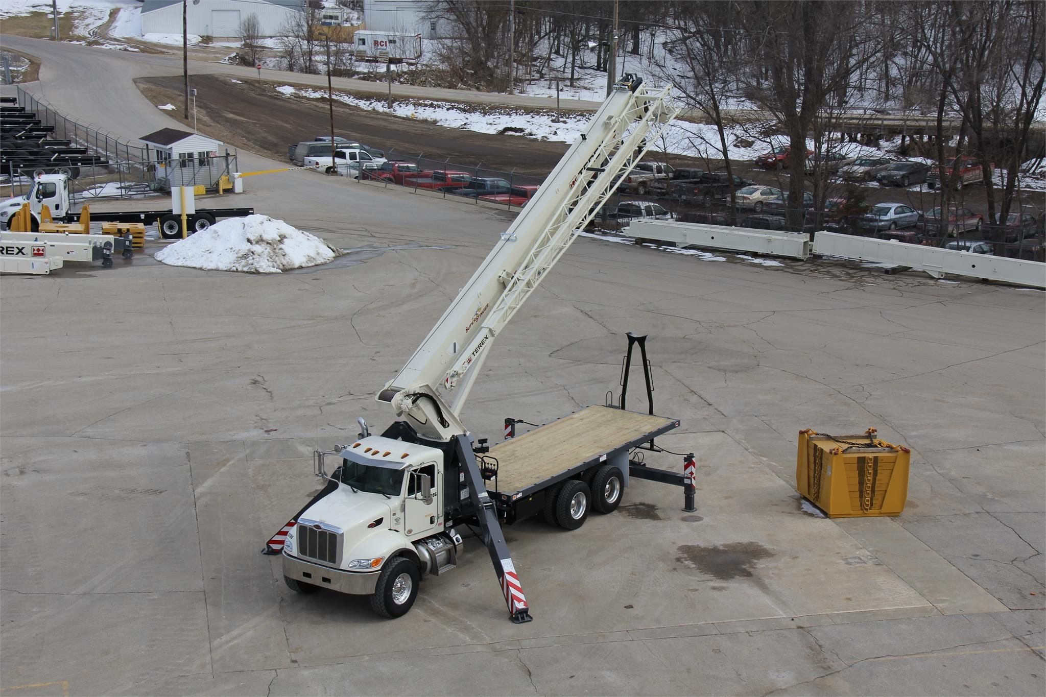 Detail photo of 2017 Terex BT28106 from Construction Equipment Guide