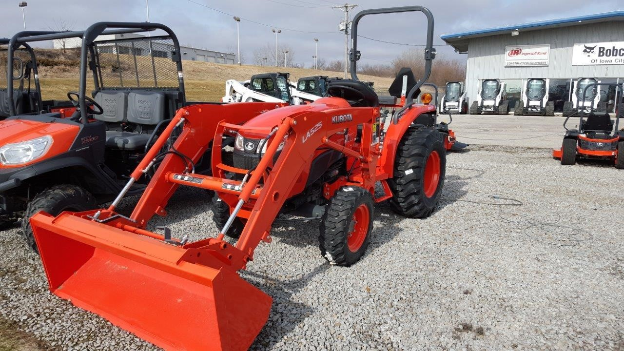 Detail photo of 2015 Kubota L3901HST from Construction Equipment Guide