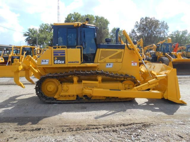 Detail photo of 2012 Komatsu D65EX-17 from Construction Equipment Guide