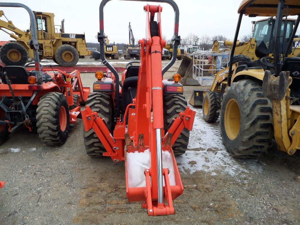 Detail photo of 2013 Kubota L35 from Construction Equipment Guide