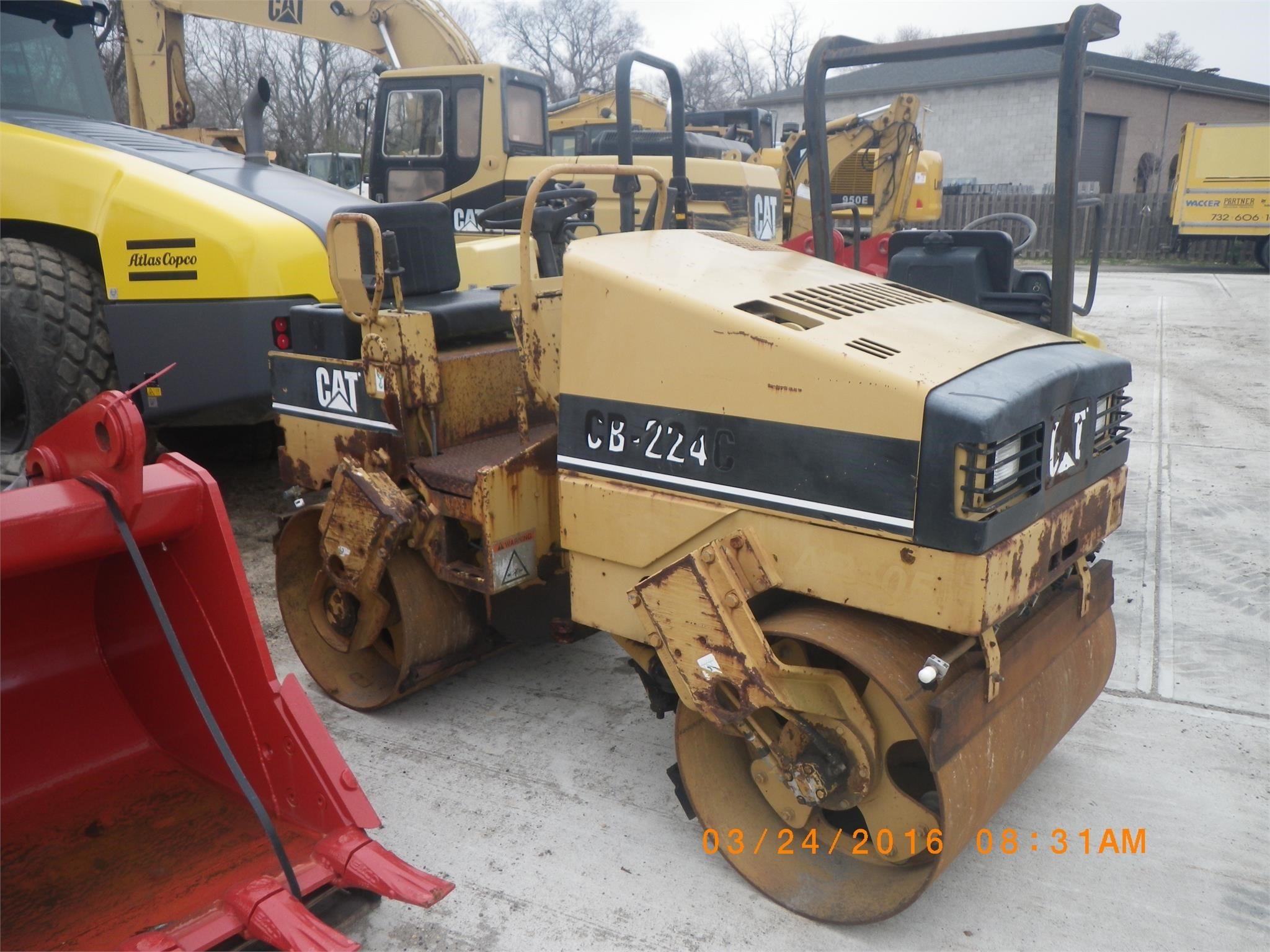 Detail photo of 1998 Caterpillar CB-224C from Construction Equipment Guide