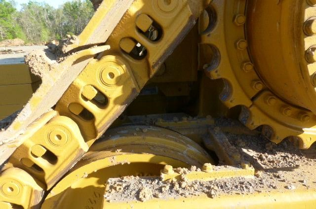 Detail photo of 2006 Caterpillar D9T from Construction Equipment Guide
