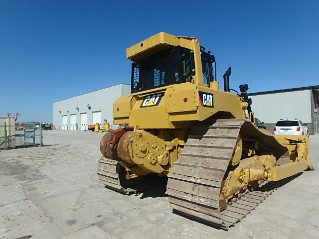 Detail photo of 2011 Caterpillar D6T LGP from Construction Equipment Guide