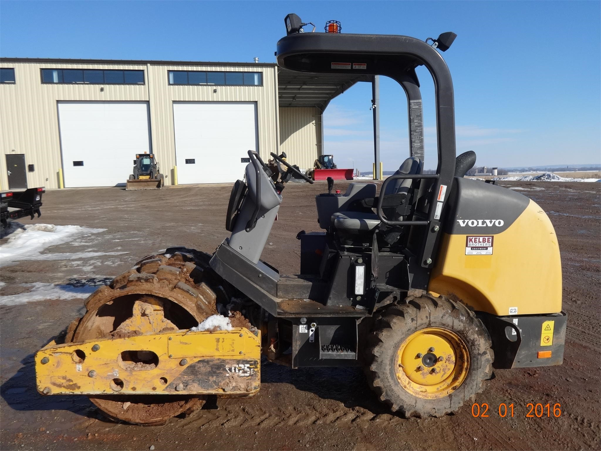 Detail photo of 2011 Volvo SD25D from Construction Equipment Guide