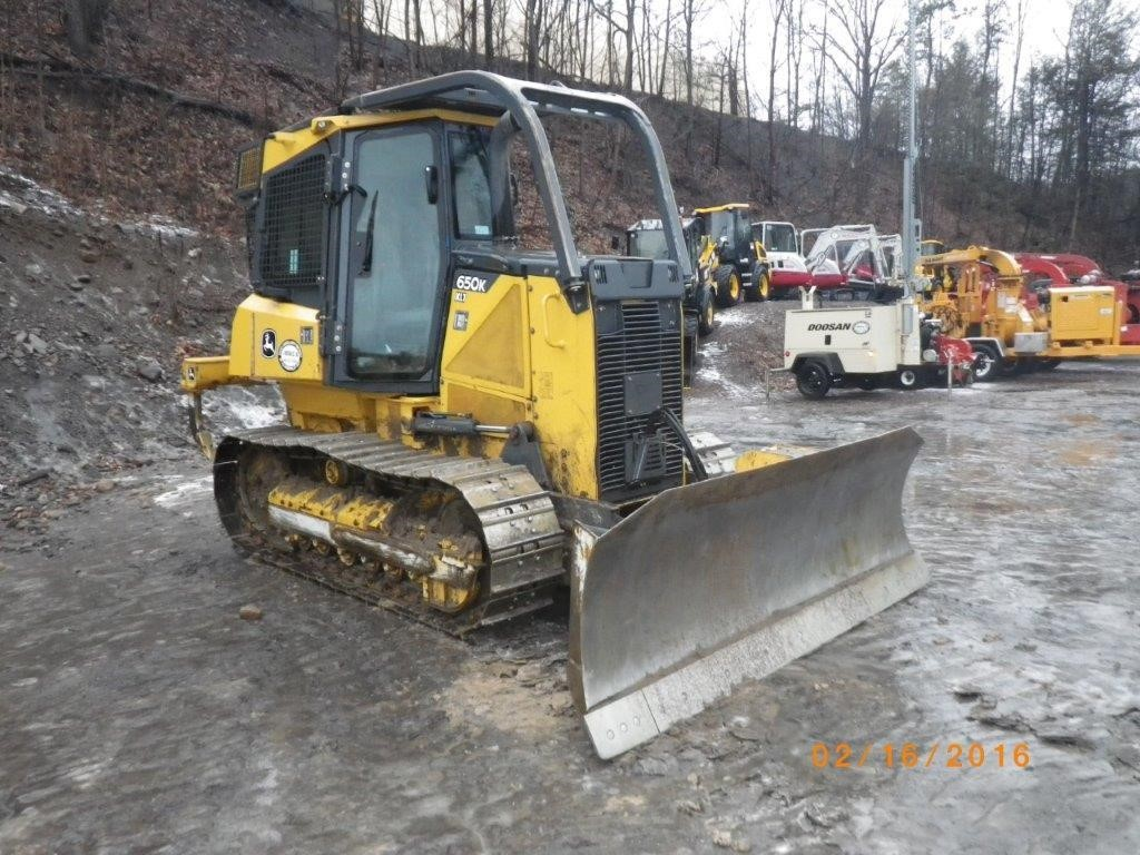 Detail photo of 2012 John Deere 650K XLT from Construction Equipment Guide