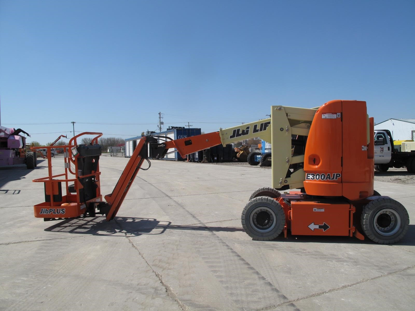 Detail photo of 2014 JLG E300AJP from Construction Equipment Guide