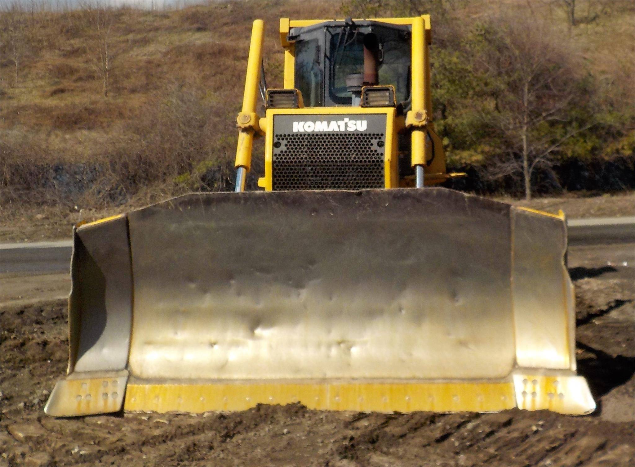 Detail photo of 2006 Komatsu D65EX-15 from Construction Equipment Guide