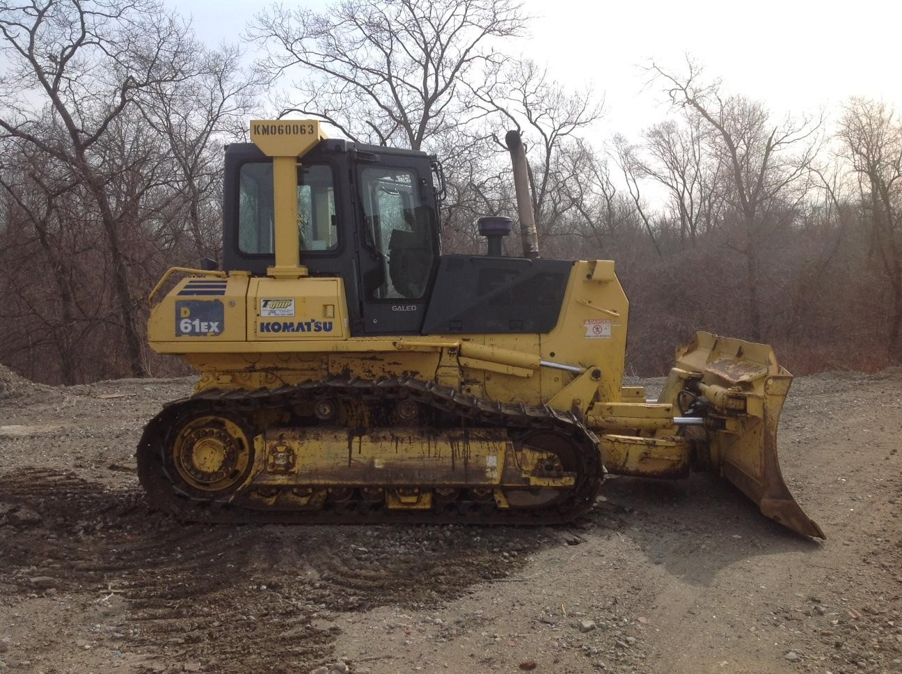 Detail photo of 2006 Komatsu D61EX-15 from Construction Equipment Guide