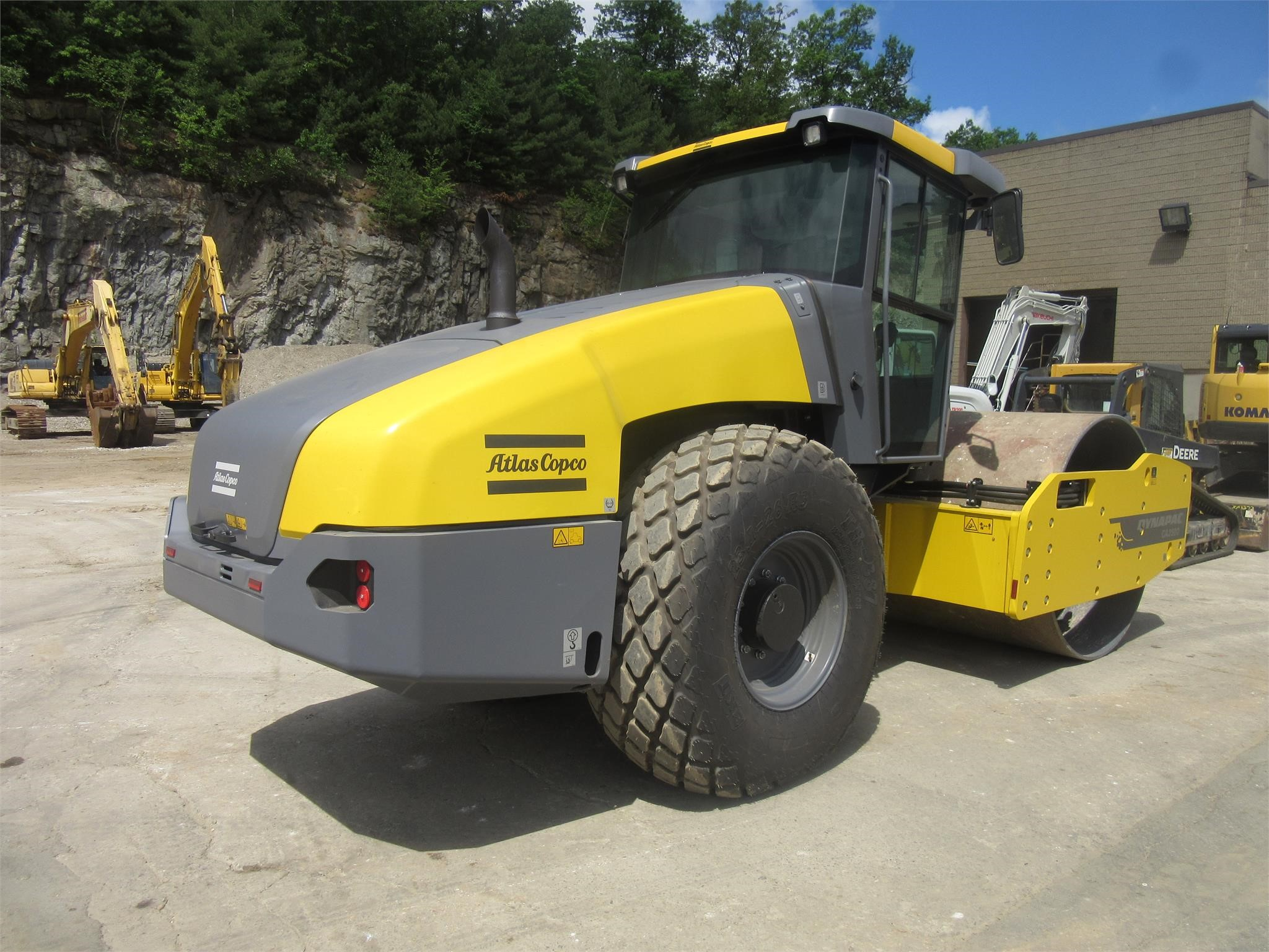 Detail photo of 2015 Dynapac CA2500D from Construction Equipment Guide