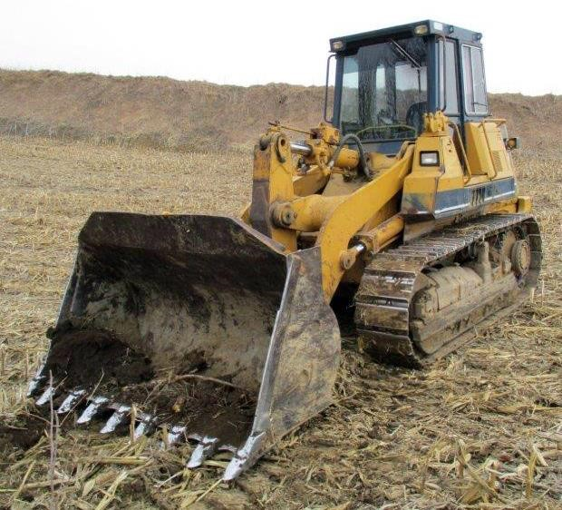 Detail photo of 1987 Komatsu D66S-1 from Construction Equipment Guide