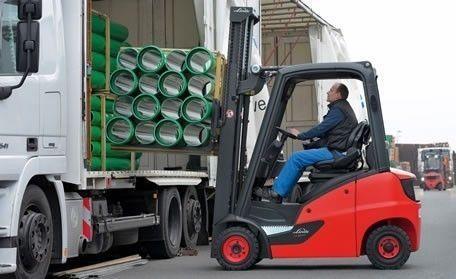 Linde Forklift at work