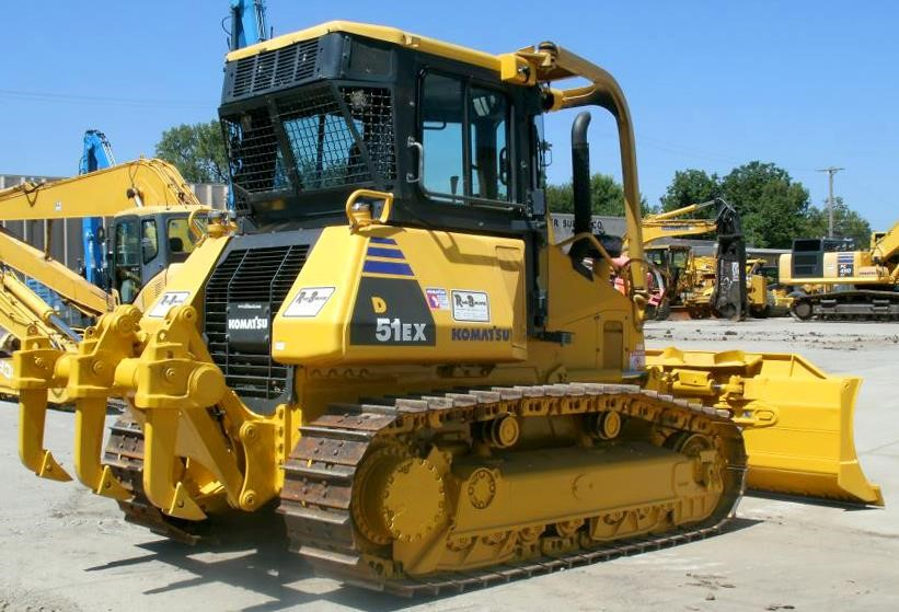 Detail photo of 2009 Komatsu D51EX-22 from Construction Equipment Guide
