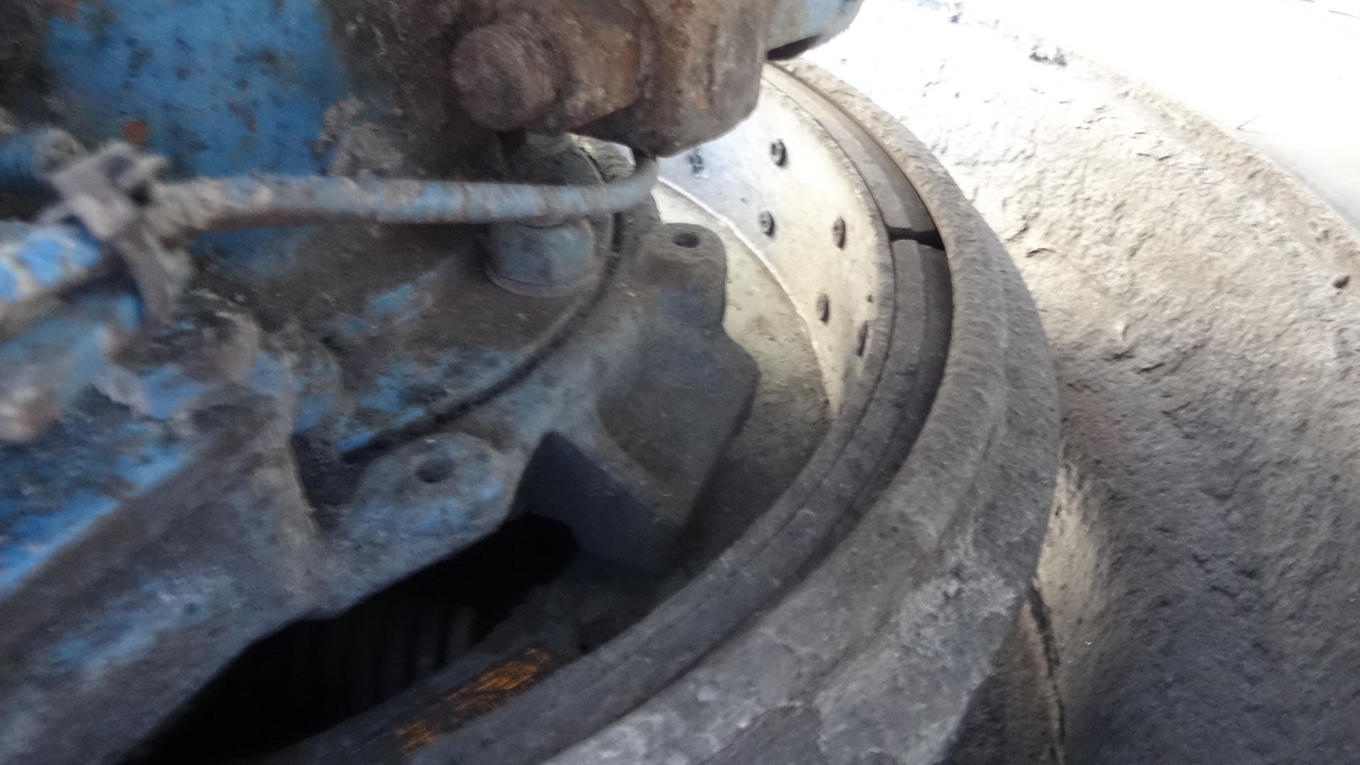 Detail photo of 2004 Mack GRANITE CV713 from Construction Equipment Guide