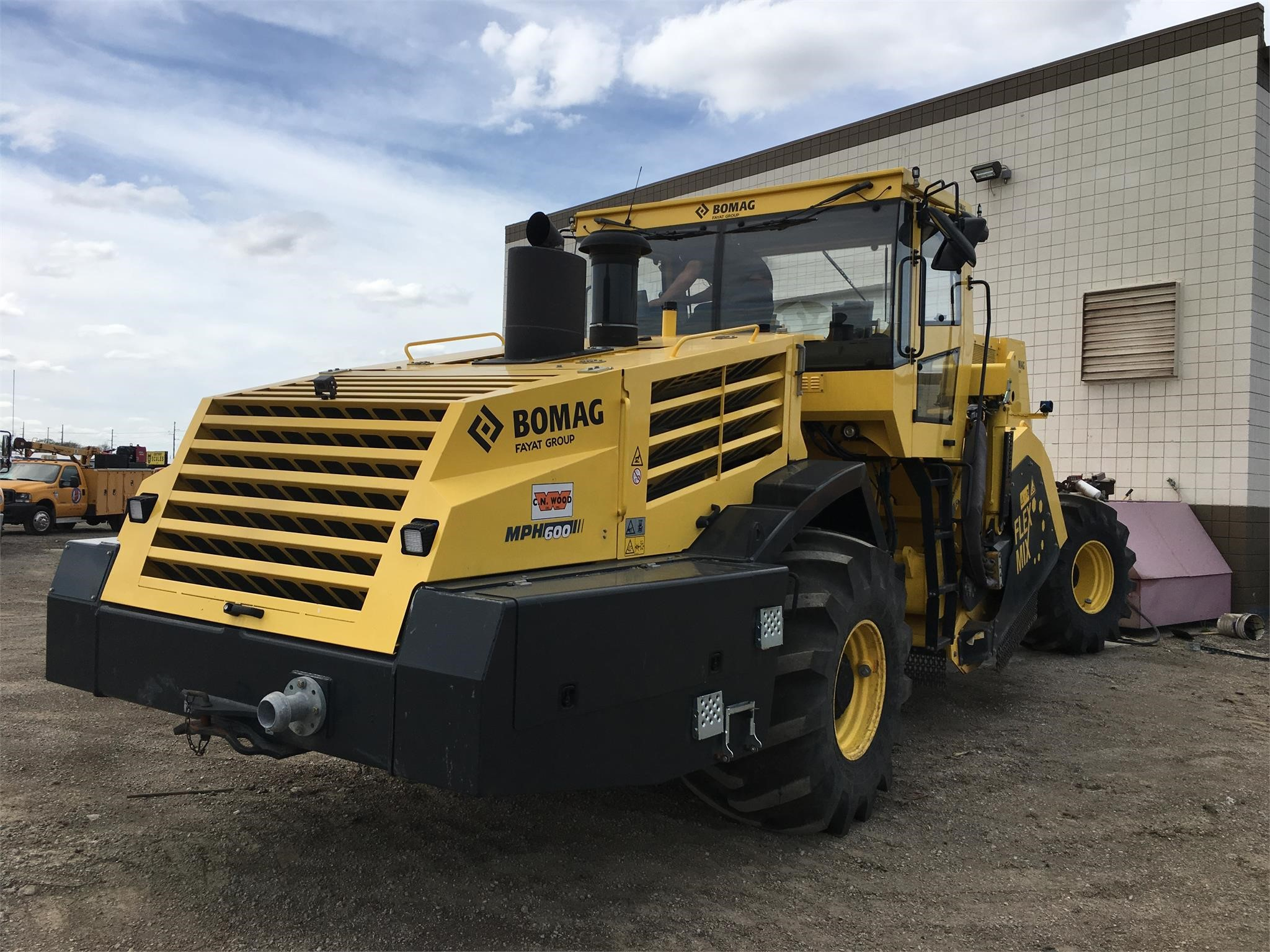 Detail photo of 2015 Bomag MPH600 from Construction Equipment Guide