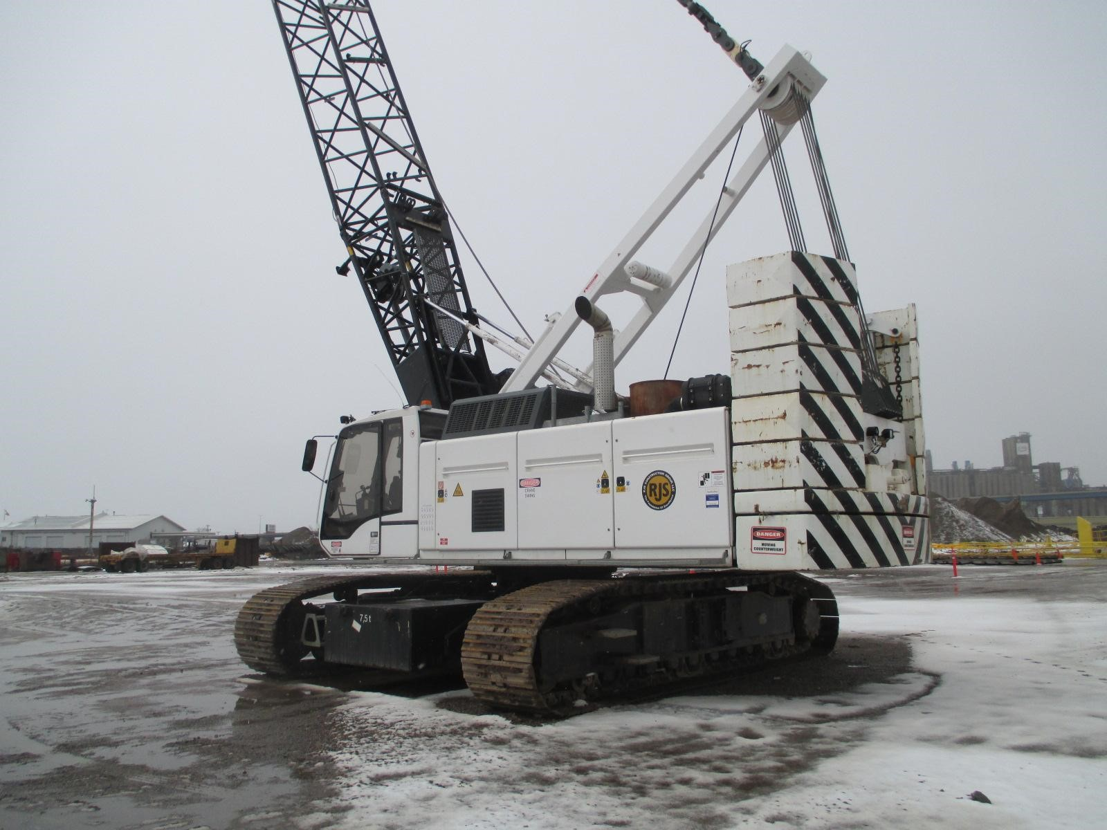 Detail photo of 2008 Liebherr HS855HD from Construction Equipment Guide