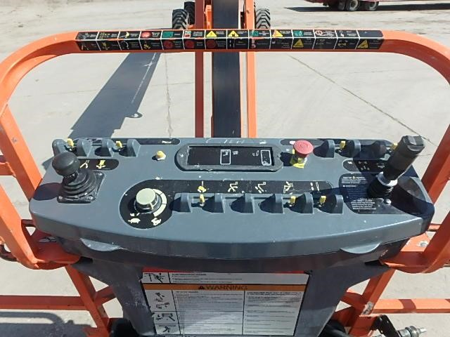 Detail photo of 2014 JLG 860SJ from Construction Equipment Guide