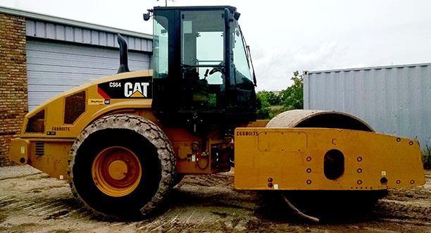 Detail photo of 2012 Caterpillar CS64 from Construction Equipment Guide