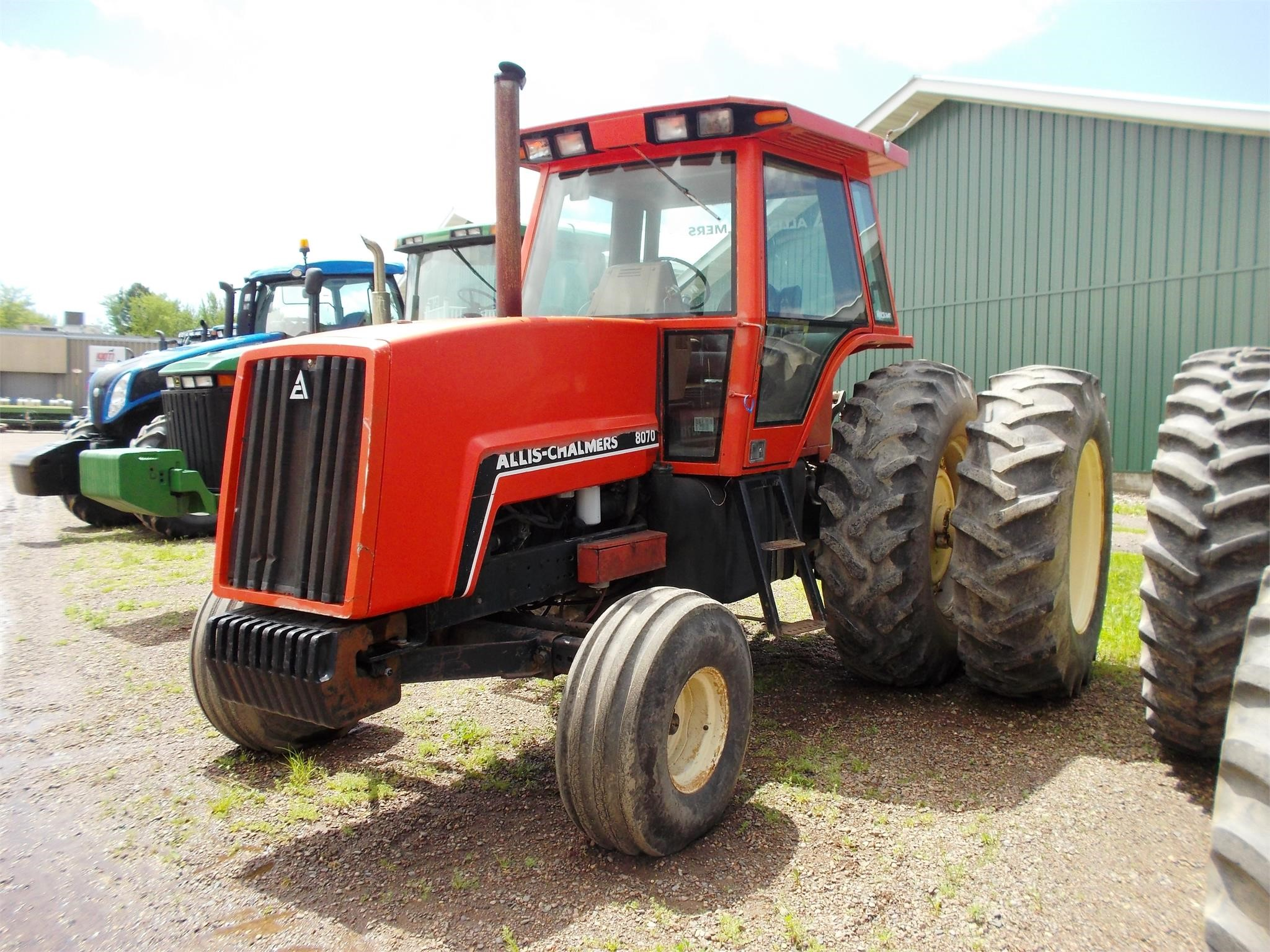 Detail photo of 1983 Allis Chalmers 8070 from Construction Equipment Guide